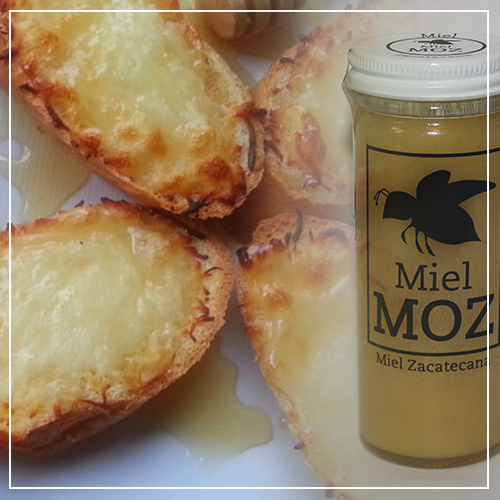 Crostini de Queso Gruyer con Miel